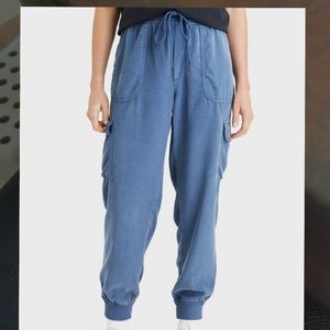 American Eagle cargo jogger pants size XS Short.